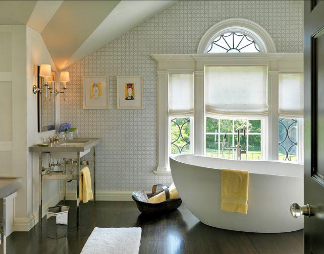 Как правильно установить зеркало для ванной комнаты