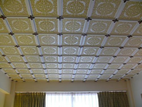 352 Пенопластовые плиты на потолок