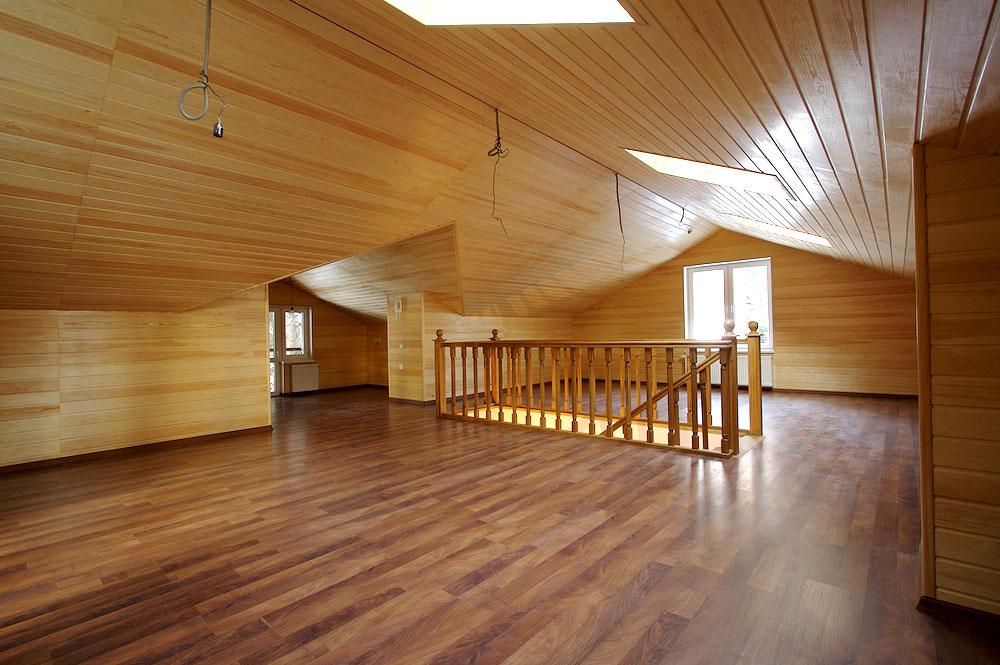 Применение панелей из дерева для потолка и стен