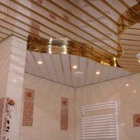 906 Ремонт потолка на кухне пластиковыми панелями