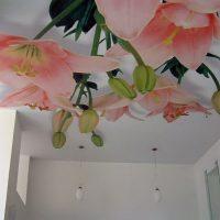1014 Как использовать клей для натяжного потолка