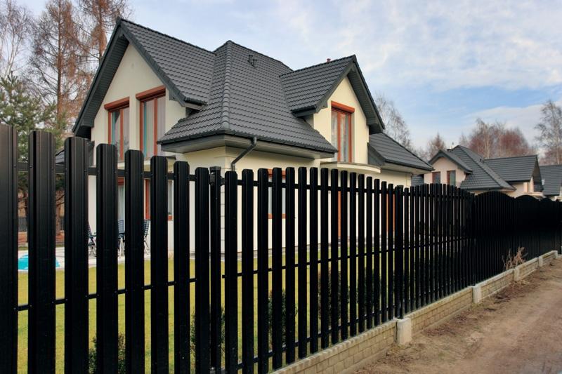 Забор из штакетника своими руками — инструкция