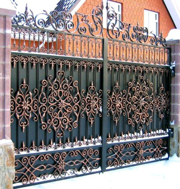 Делаем железные ворота своими руками