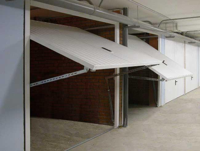 Подъемно-поворотные ворота для гаража своими руками — механизмы