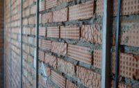 10652 Выравнивание стен по маякам: учимся выставлять маяки под штукатурку своими руками