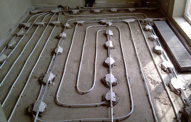 Чем залить теплый водяной пол — разберемся в способах и инструментах