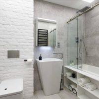 28330 Маленькая ванная комната