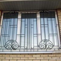 28558 Решетка на окна в Харькове — замер, изготовление и установка