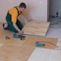 28858 Как выровнять деревянный пол с помощью фанеры своими руками