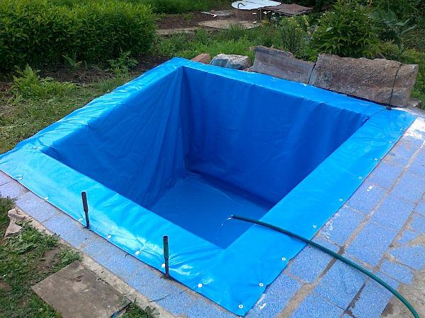 Бассейн с использованием пленки своими руками