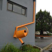 29962 Крепление водосточных труб к стене дома своими руками — инструкция