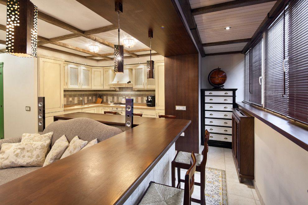 Коричневая барная стойка вместо подоконника на кухне