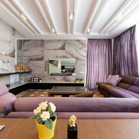 Сиреневая спинка большого дивана