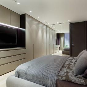 Современный интерьер небольшой спальни