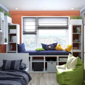 Удобный диванчик вместо подоконника
