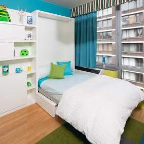 Откидная кровать в детской спальне