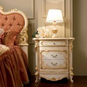 Классическая мебель из дорого дерева