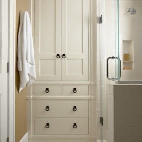 Встроенные шкафчики в классическом стиле