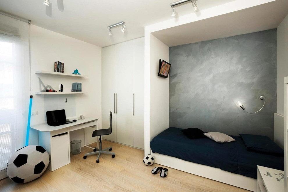 Кровать в нише для мальчика подросткового возраста