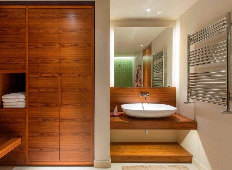 Деревянная мебель встроенного типа