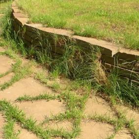 Использование плоского камня в ландшафте сада