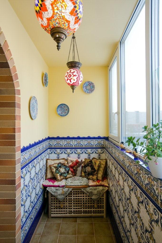 Красивые светильники на балконе в восточном стиле