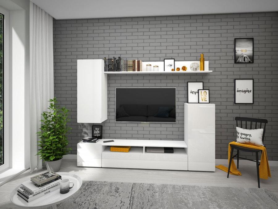 Белая мебель на фоне серой стены гостиной