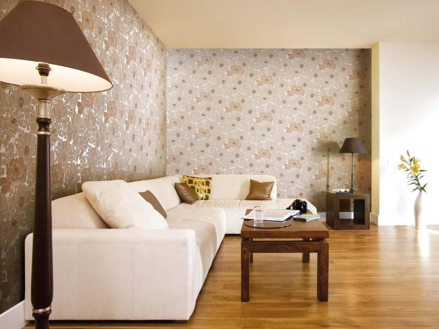 Выделение стены за угловым диваном бумажными обоями