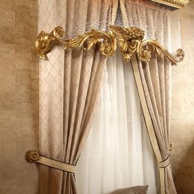 Красивое оформление шторами узкого окна