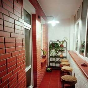 Облицовочный кирпич на балконе с барной стойкой