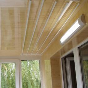 Светодиодный светильник на балконе в квартире