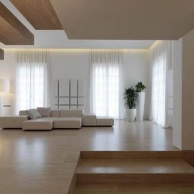 Подвесные конструкции на потолке гостиной комнаты