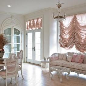 Классическая мебель в интерьере гостиной