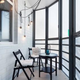 Алюминиевые окна от пола до потолка балкона
