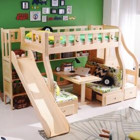 Кровать-чердак с рабочим местом внизу