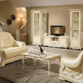 Шикарная мебель с обивкой из натуральной кожи