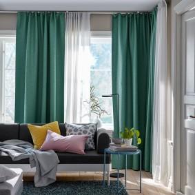 Уютная гостиная с удобным диваном