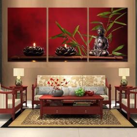 Картины в интерьере гостиной комнаты восточного стиля