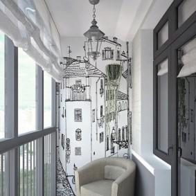 Фреска на торцевой стене остекленного балкона