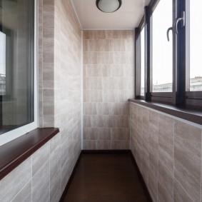 Облицовка стен лоджии керамогранитной плиткой