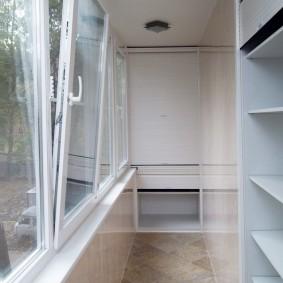 ПВХ-окна на утепленном балконе