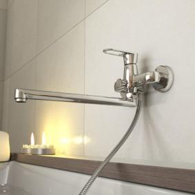 Ароматические свечи в ванной комнате
