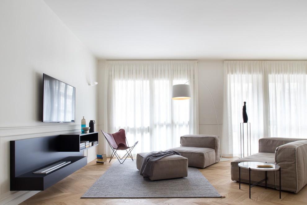 Светло-серый ковер с низким ворсом в стиле минимализма