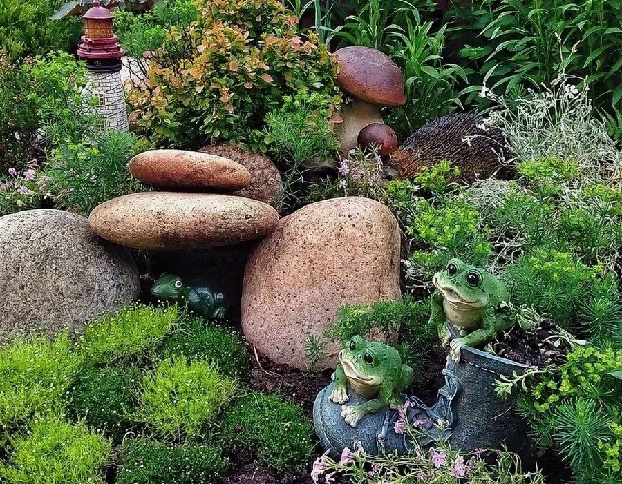 Декор садового участка красивыми камнями