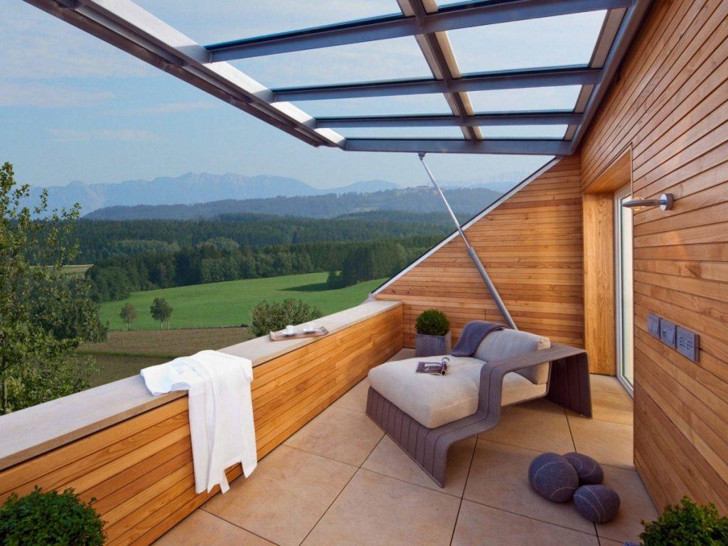 Мансардный балкон с подъемным окном