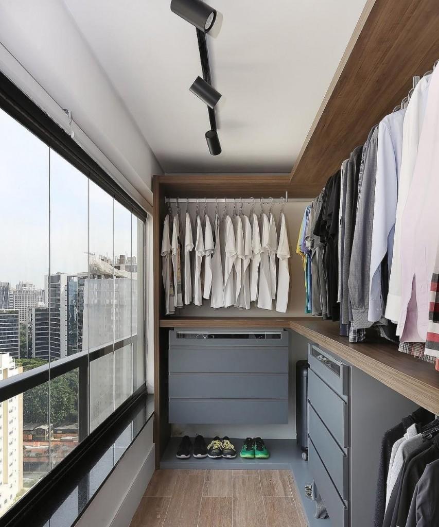 31527 Варианты оформления интерьера балкона с гардеробной