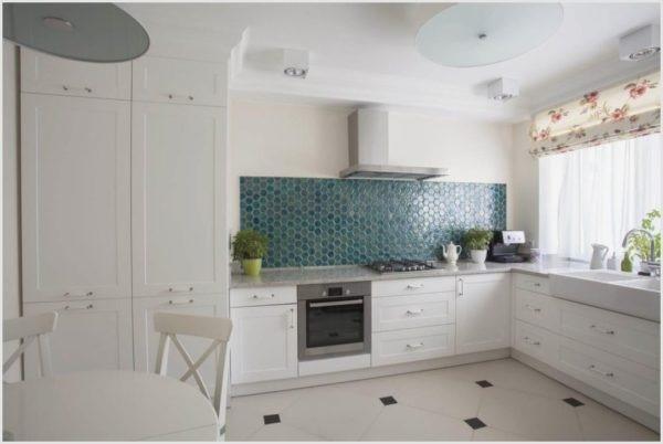 Кухня без навесных шкафов: как оформить помещение