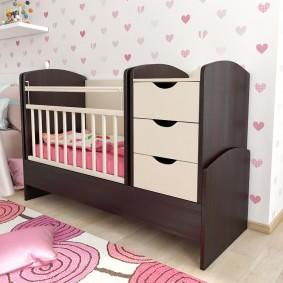 детская кровать с пеленальным столиком дизайн