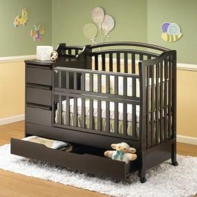 детская кровать с пеленальным столиком фото оформление