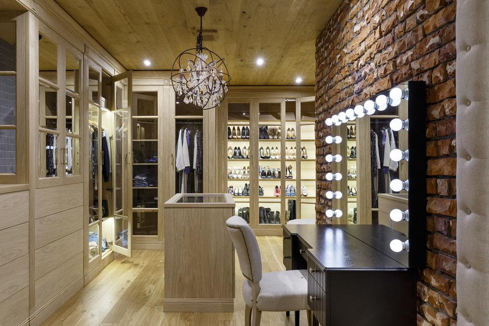дизайн гардеробной комнаты с зеркалом
